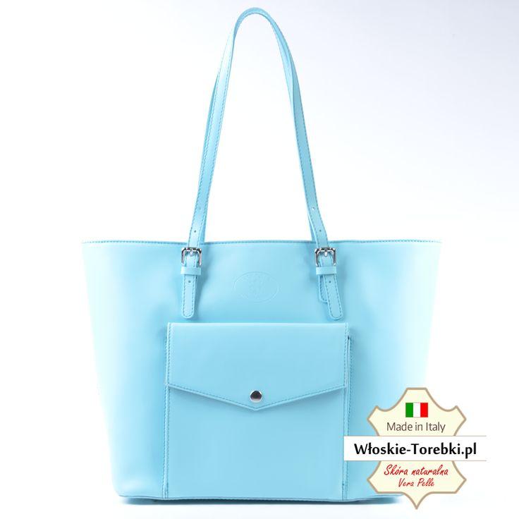 Renata - nowy model torby ze skóry naturalnej, duża, na ramię, wersja w kolorze jasny błękit pastelowy. Piękna! Zobacz inne zdjęcia tutaj http://wloskie-torebki.pl/sklep/granatowe-niebieskie/144-blekitna-pastelowa-torba-skorzana-na-ramie.html