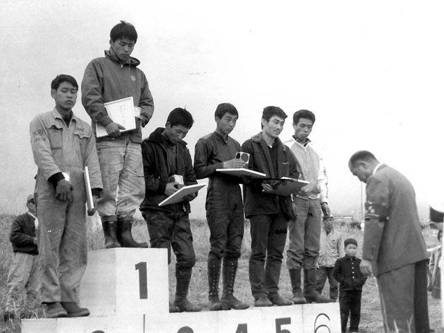 1964 MFJ第1回日本グランプリ(相馬原)50ccクラス  1位:小島、2位:長谷見、3位:黒沢、4位:菅家、5位:三吉、6位:片山