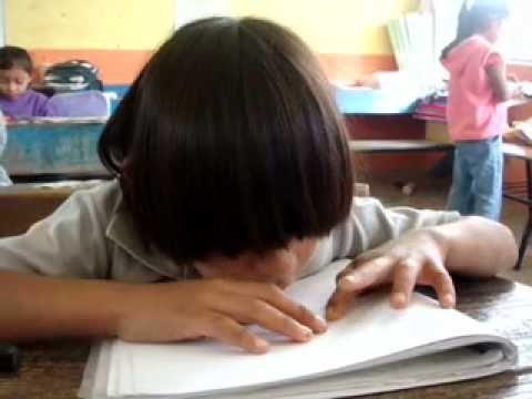 """Video que convida a la reflexió de la """"INCLUSIÓ EDUCATIVA"""", òn deixa clar que la educació és un dret i als alumnes sel's ha d'oferir en funció de les seves necessitats i exigir, segons les seves possibilitats. Ma Dolores"""