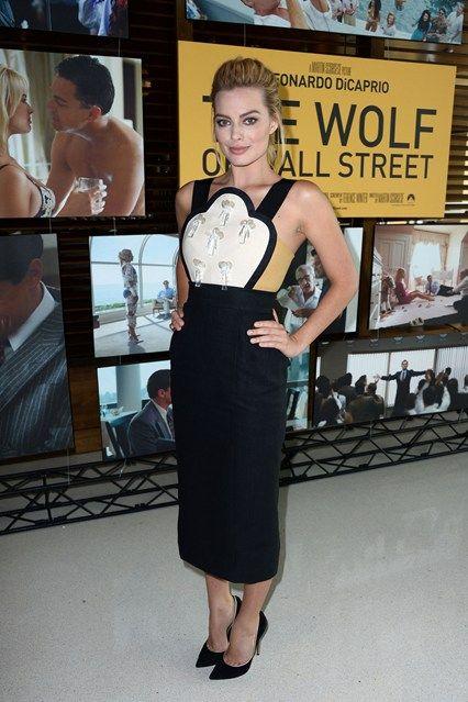 Margot Robbie wore a Delpozo spring/summer 2014 dresss with Casadei sandals.