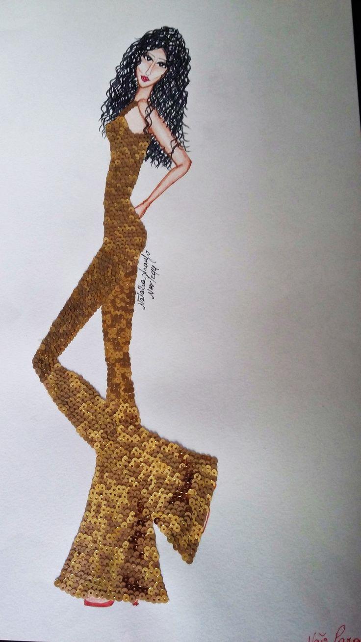 """Trabalho realizado para o Centro Universitário Moura Lacerda, curso de Moda, entregue 1/12/2014, 5 croquis de Moda, em folha A3 com aplicações de efeitos. Tema """"Anittas"""" Croquis foram feitos e inspirados em músicas da Cantora Anitta. Este desenho chama-se: """"Não Para"""" aplicação de mini paetes dourados"""