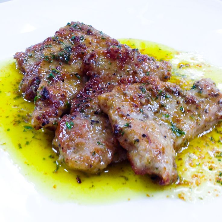 Veal escalopes in a simple and addictive lemon and buttery sauce. Who doesn't love butter?! The sauce also works well with pork chops...