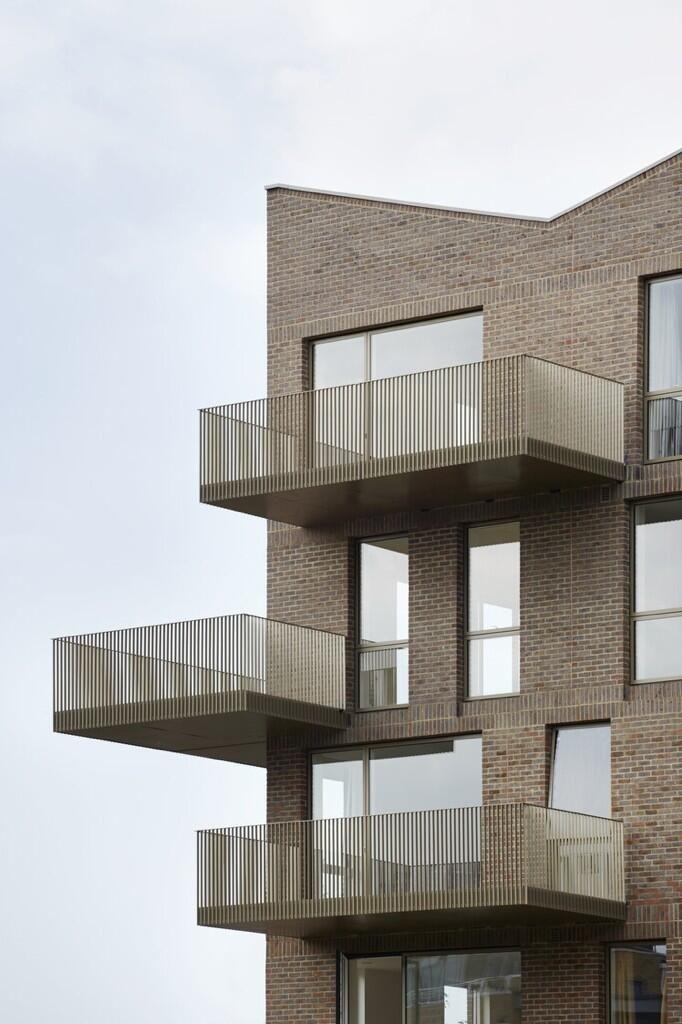 Brentford Lock Housing / Duggan Morris