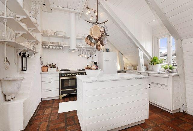Küche dachwohnung-dachschräge kochinsel-Bodenbelag ideen