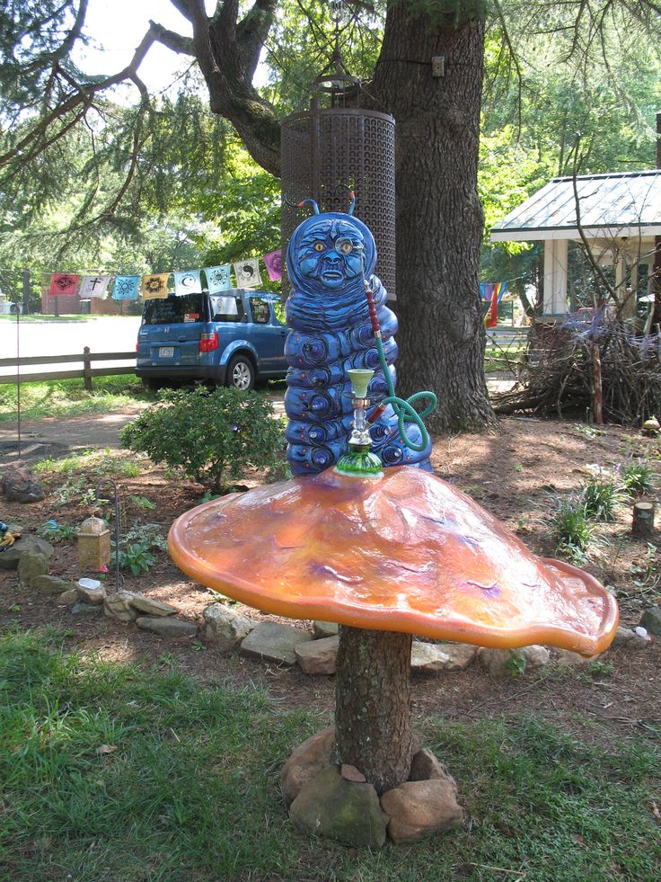 23 best alice in wonderland yard art images on pinterest - Alice in wonderland garden statues ...