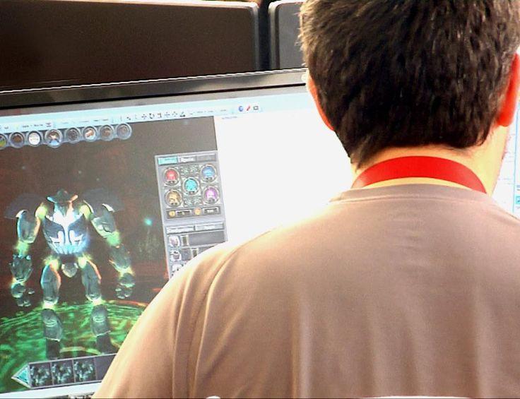 Desarrollar un videojuego online multijugador que aprovecha el potencial de la realidad aumentada: ese es uno de los objetivos de Pyxel Arts, una empresa nacida en el seno del Parque Científico de la Universidad Carlos III de Madrid (UC3M) que espera aplicar esta tecnología en otras áreas de conocimiento, como la medicina o la educación.