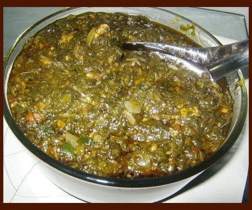 En Afrique, la sauce feuilles de patates douces se prépare de beaucoup de manière , de la Guinée au Congo chaque pays a sa propre façon de faire cuire ces feuilles . Les feuilles de patate douce restent un favori parmi de nombreuses personnes en Afrique occidentale. En Sierra Leone, au Liberia,au Mali et en […]