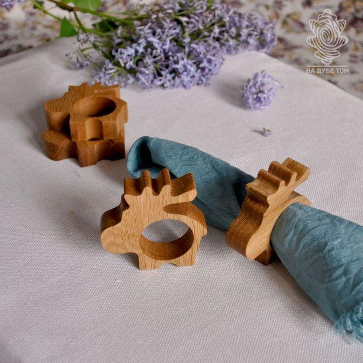 Яркий штрих в сервировке стола. Деревянные кольца для салфеток или подставка под яйцо? а можно придумать и что-то еще...