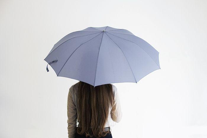 雨の日の相棒に気品溢れるフォックスアンブレラズのレイングッズ
