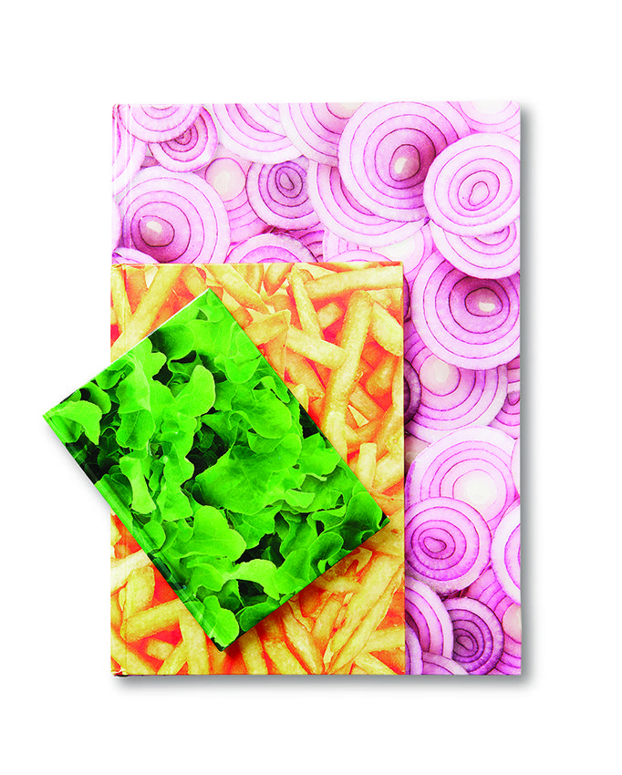 W sierpniu obfitość sałaty, czerwonej cebulki i frytek. #copybook