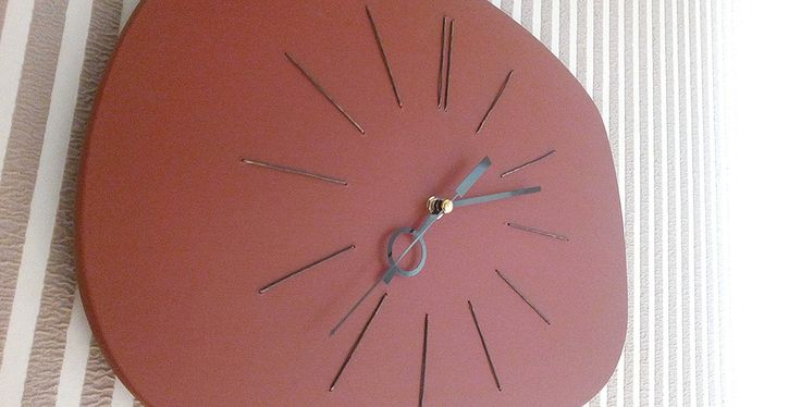 часы настенные СТАРЫЙ ТЕЛЕВИЗОР   мастерская дизайнерско мебели
