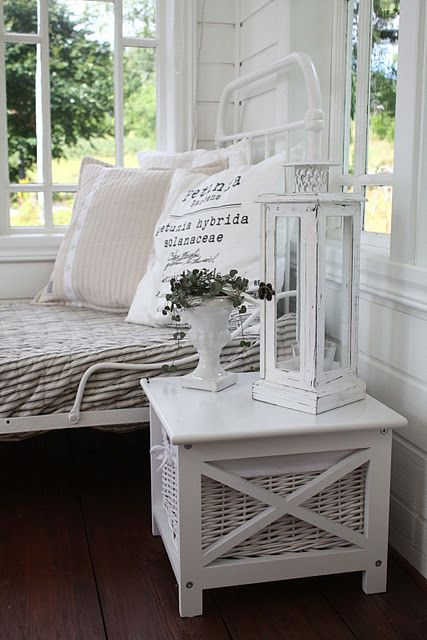 bed on sun porch...