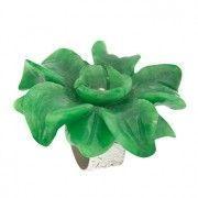 Anillo de plata con flor de jade