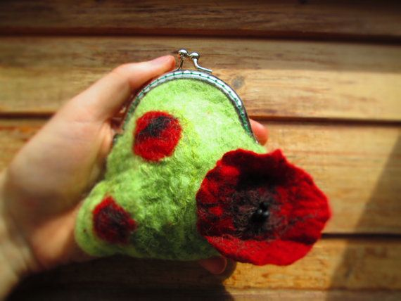 Felted red poppy bag  wet felt bag wool felt by LisaDecorGifts