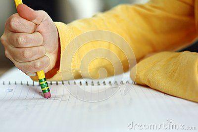 La Mano Del Niño Que Borra Con El Lápiz En El Papel Del Cuaderno - Descarga De Over 28 Millones de fotos de alta calidad e imágenes Vectores% ee%. Inscríbete GRATIS hoy. Imagen: 37683304