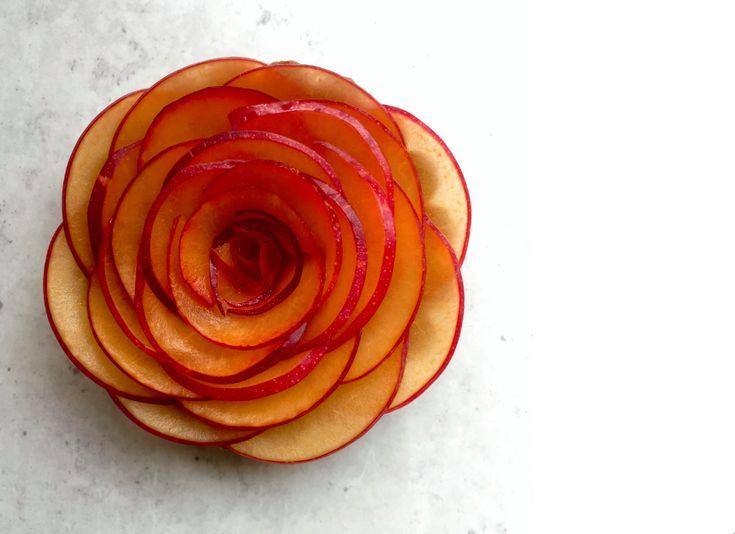 Sukkerfri blommertærter med kanel