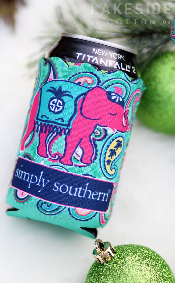 The CUTEST Simply Southern Paisley Scalloped Coozie! Shop now at Lakeside Cotton: https://lakesidecotton.marleylilly.com/product/paisley-retainer-and-koozie-set/