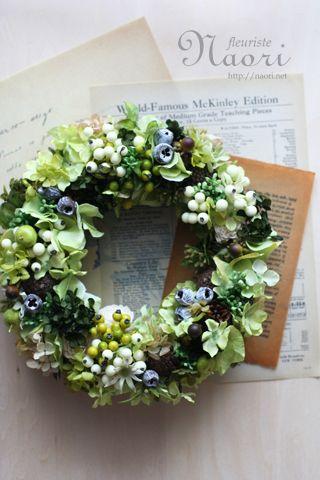 紫陽花と実ものたっぷりのグリーンリース