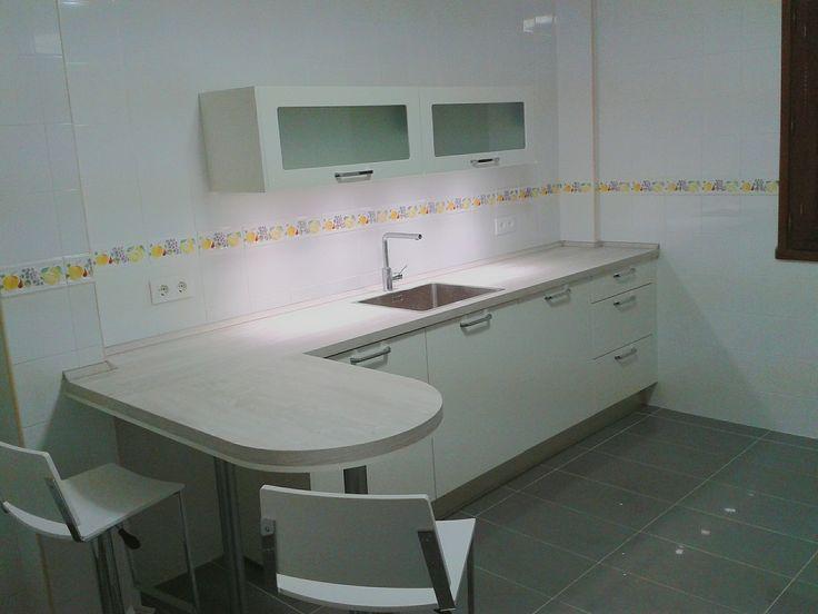 Cuando menos es más. #flash #kuchenhouse #cocina #blanco #diseño #llanes #oviedo