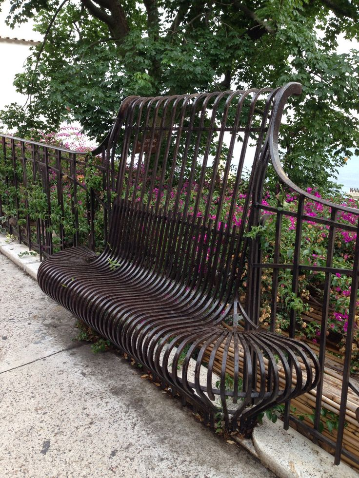 Positano Italy                                        City bench protection