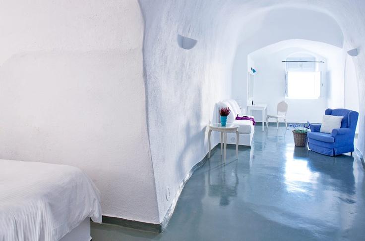 Cliffside Suites hotel - Santorini accommodation - Grotto Villas