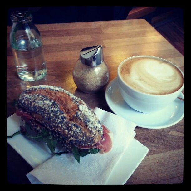 Breakfast @ Peaberries Hamburg