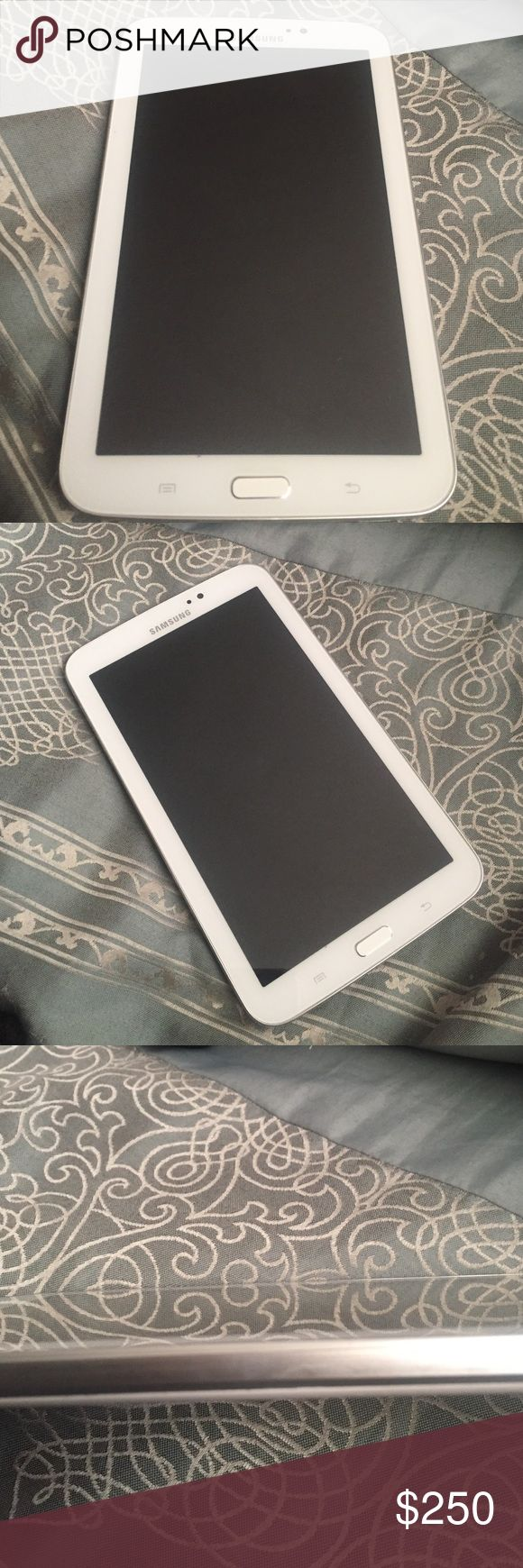 Samsung Galaxy Tablet 3 Looking to sell my galaxy tablet , tablet works perfect just looking to upgrade to a iPad samsung Accessories Tablet Cases