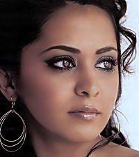 Parminder Nagra ummm Gawdy make-up! Eyebrows banging