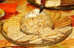 Kaasbal met crackers