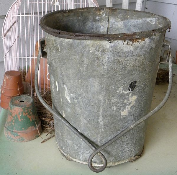 rustic antique galvanized well bucket garden jardin