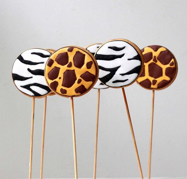 Wild cookie pops