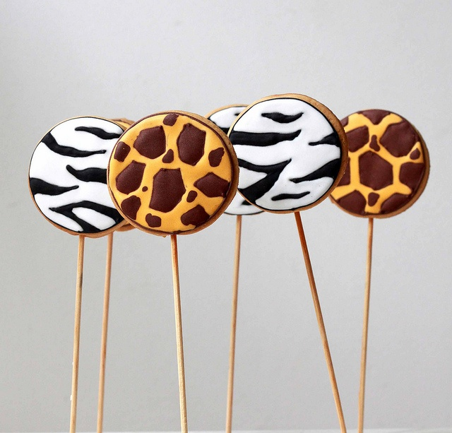Wild cookie pops