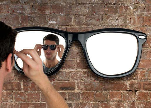 The Looking Good Mirror is made for the ultimate hipster. Shaped like a classic pair of Ray-Ban sunglasses.