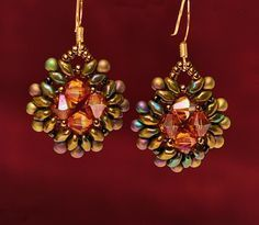 Free pattern for earrings Pavo | Beads Magic Crystal center with superduos ~ Seed Bead Tutorials