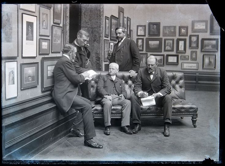 1902 Royal Photographic Society exhibition judging panel, in the Royal Academy