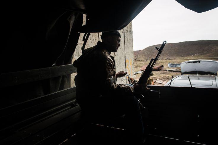 https://flic.kr/p/zL5zaV | Под Песками | По пути на позиции под Песками, располагающиеся на месте уничтоженного артиллерией военном складе.  19 марта 2015