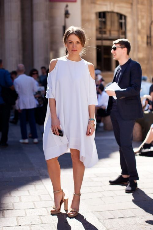 All white, all beauty!: Summer Dress, All White, Fashion, Cutout, Street Style, Dresses, Street Styles, White Dress, Cut Outs