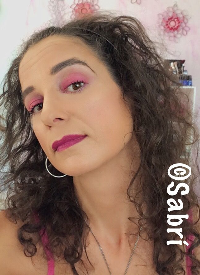 #motd: #fuchsiaeyes and #fuchsialips. Why not? featuring #citycolorcosmetics #sprinklepalette and #jordana #mattelipstick in #itgirl. #Beauty #Belleza #Bellezza #Beauté #Beleza #Cosmetics #Cosméticos #Cosmetici #produitsdebeaute  #Makeup #Maquillaje #maquillage #maquiagem #fabat40.