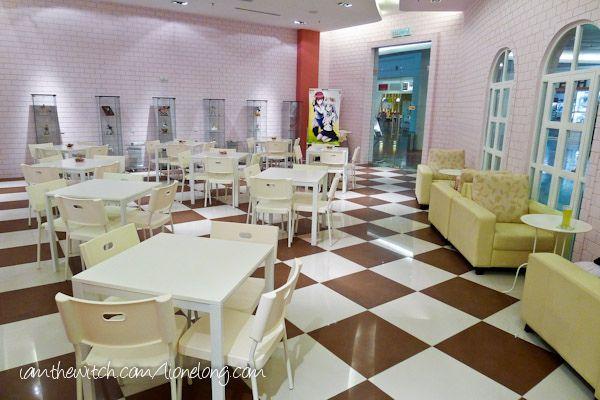 maid cafe interior   Maid Cafe-20