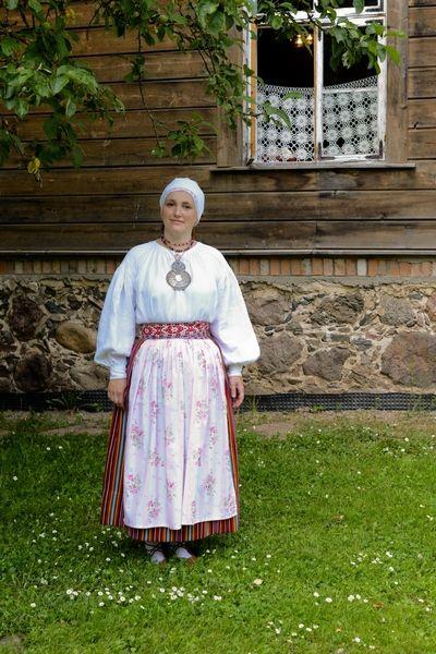 Eesti Rahvarõivad > Maarja-Magdaleena naine