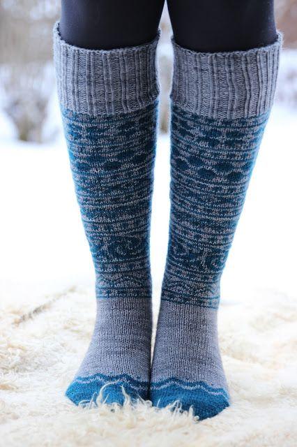 Stranded knee-high socks