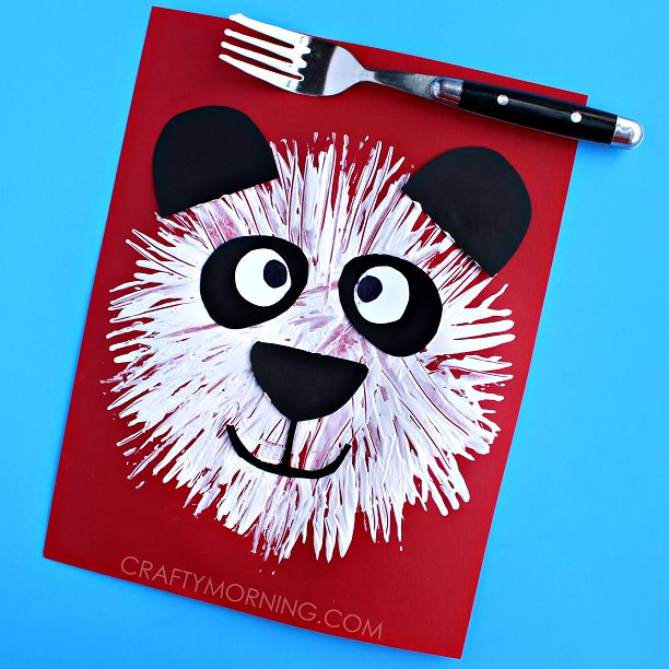 Ah  fork printing  We are at it again with a clever idea   panda bears  It is a pretty simple art project that the kids can make by themselves  Use plastic forks for an easy clean up as well     Materials Needed  Fork White Paint Black and white paper Scissors Glue Start by having the kids