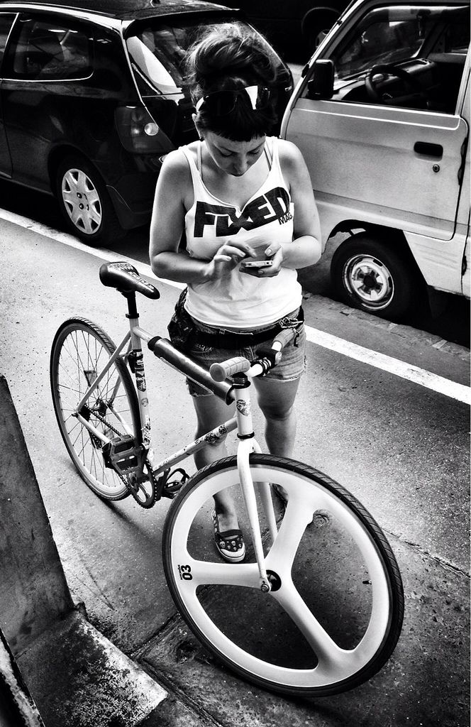 Fixed Girl Budapest #fixie #urban #cycle #culture