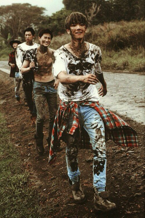 The boys gettin dirty
