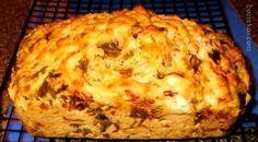 CHAKALAKA BROODJIE – (kan ook muffins maak) 500 ml koekmeel 10 ml bakpoeier sout & peper na smaak 4 eiers 410g Chakalaka (matige geur / sterker geur indien verkies) 125 ml Cheddar kaas ge…