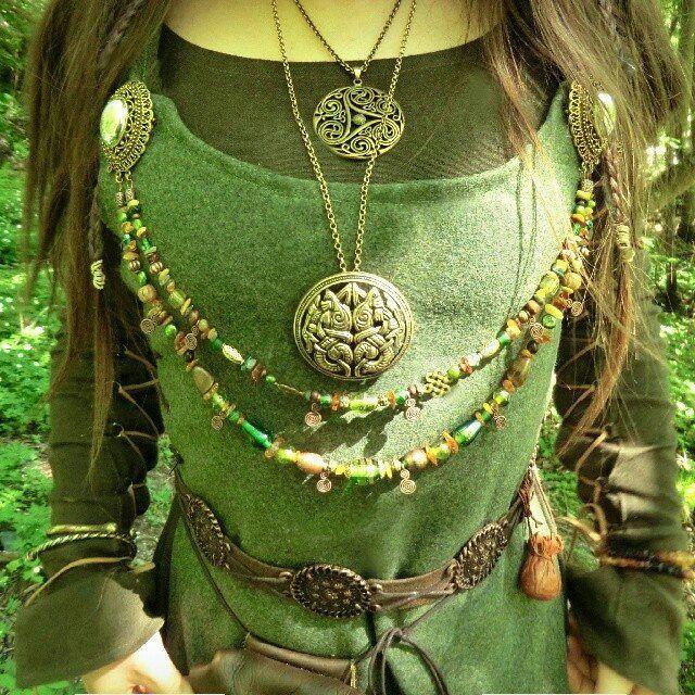 Vikingbling: Celtic medieval jewelry.