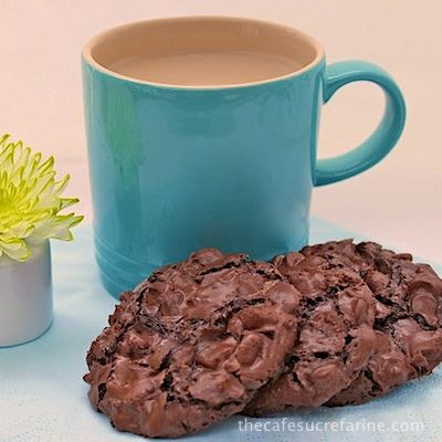 Chocolate Chewy Meringue Cookies - thecafesucrefarine.com