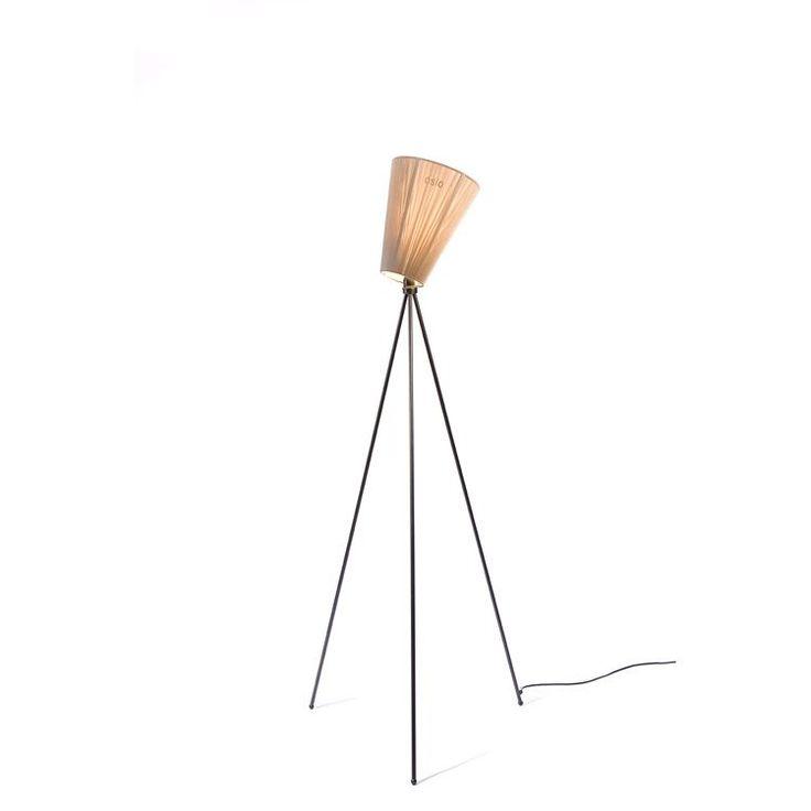 Oslo Wood gulvlampe i gruppen Belysning / Gulvlamper hos RUM21 AB (104976r)