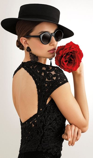 Idea para blusa con falda flamenca