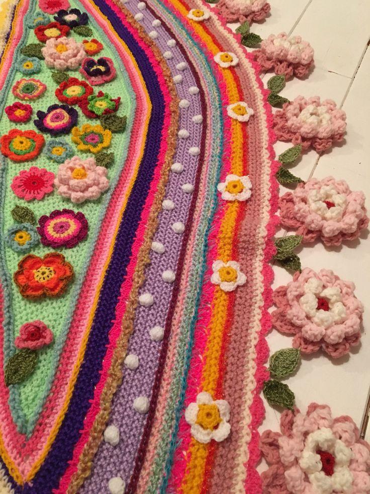 Een persoonlijke favoriet uit mijn Etsy shop https://www.etsy.com/nl/listing/500656770/gehaakte-omslagdoek-ibiza-boho-crochet